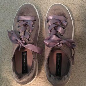 Steve Madden Never Worn Velvet Platform sneakers